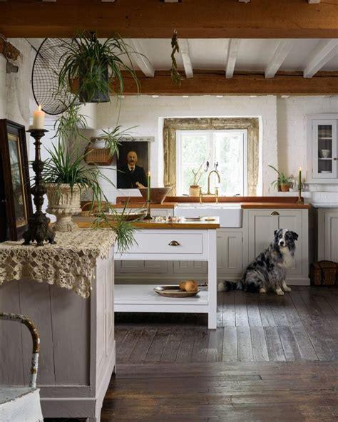 White Country Kitchen Decor
