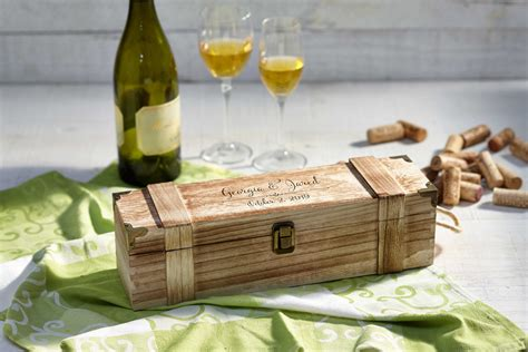wine in a wooden box gift.aspx Image