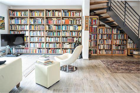 Wohnzimmer Bücherwand