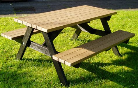 Wood picnic table designs Image