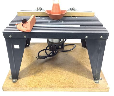 Wood router table Image