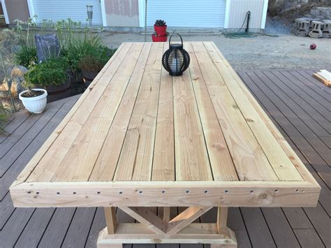 wooden garden table plans Image