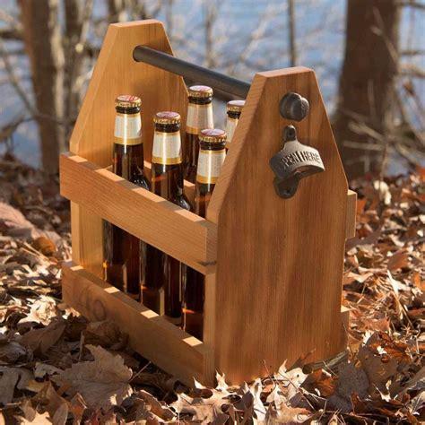 Wooden beer caddy Image