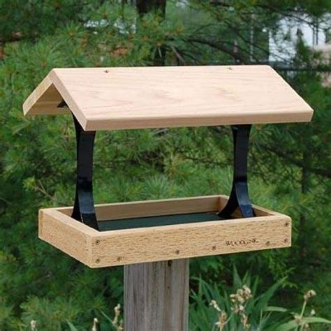 Wooden Bird Feeder with Roof Plans