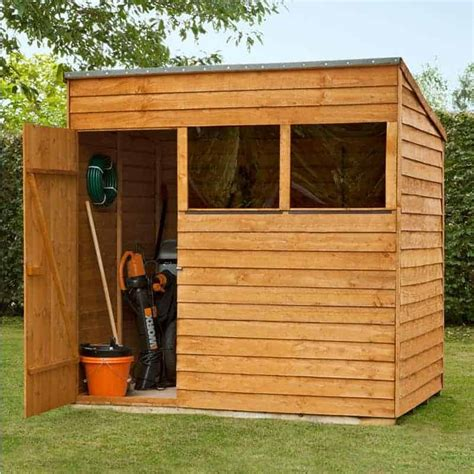Wooden shed roof Image