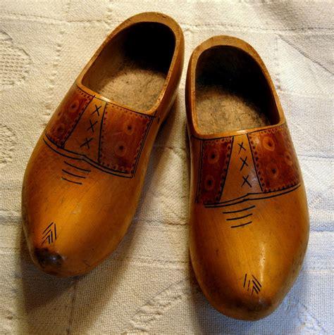 Wooden shoe Image